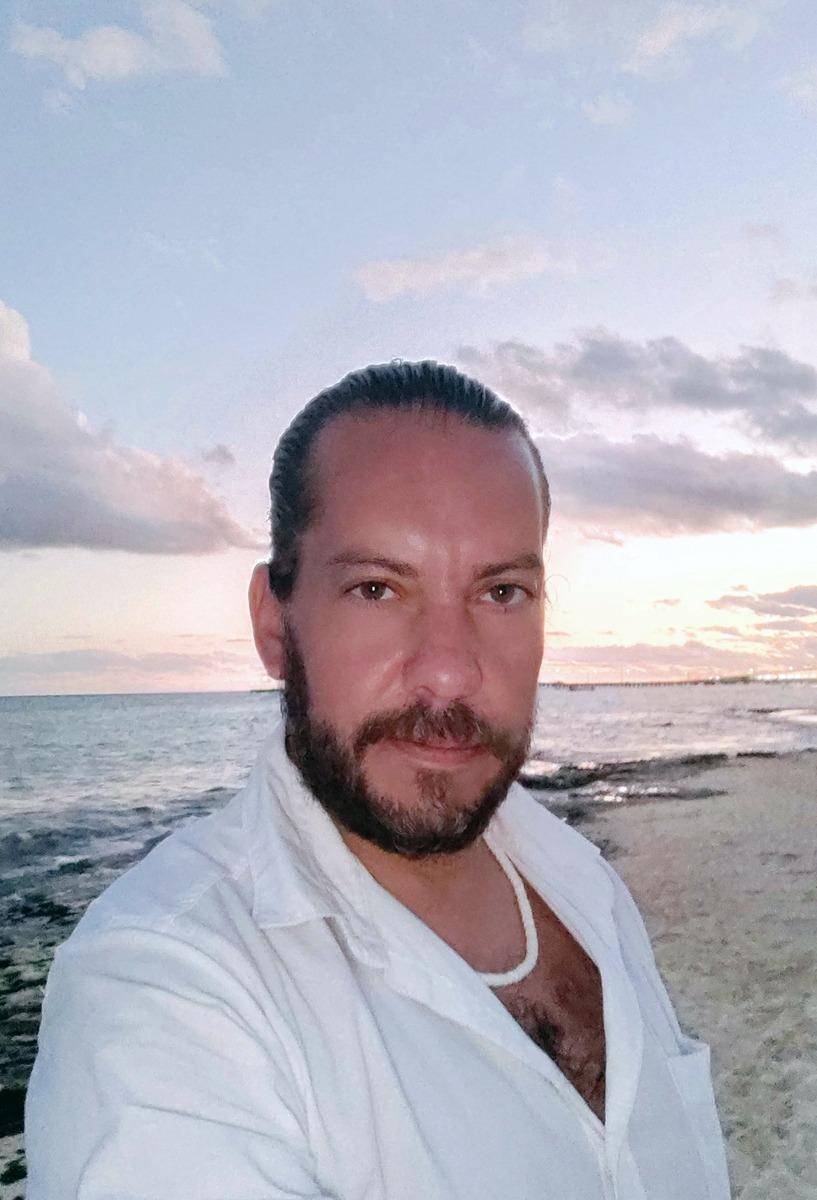 Edy Bravo-autor-escritor-empresario emprendedor mexicano